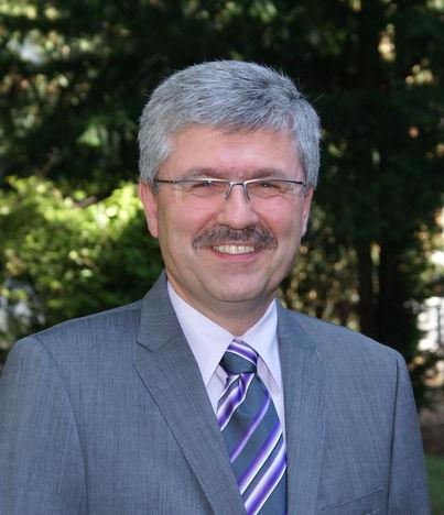 Dr.J. Paula