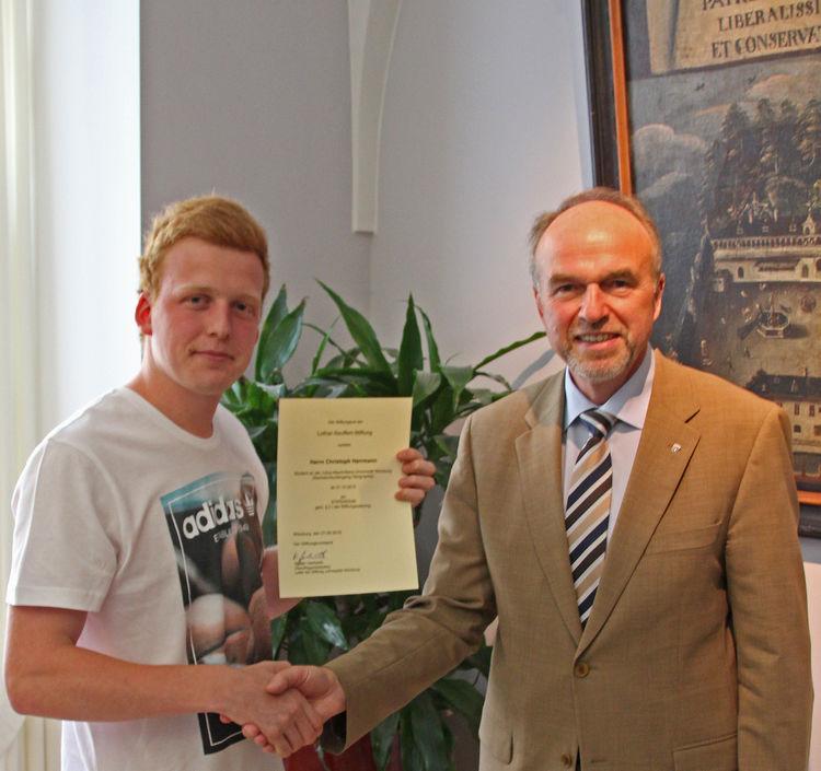 Seuffert_Stiftung_Spendenübergabe_bearbeitet-2